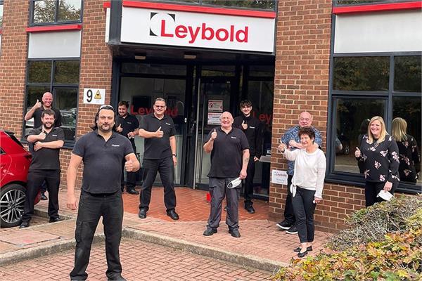 Leybold workers celebrating
